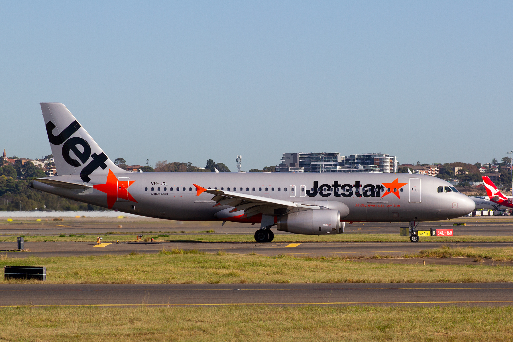 Jetstar Airways Airbus A320-200 VH-JQL at Kingsford Smith