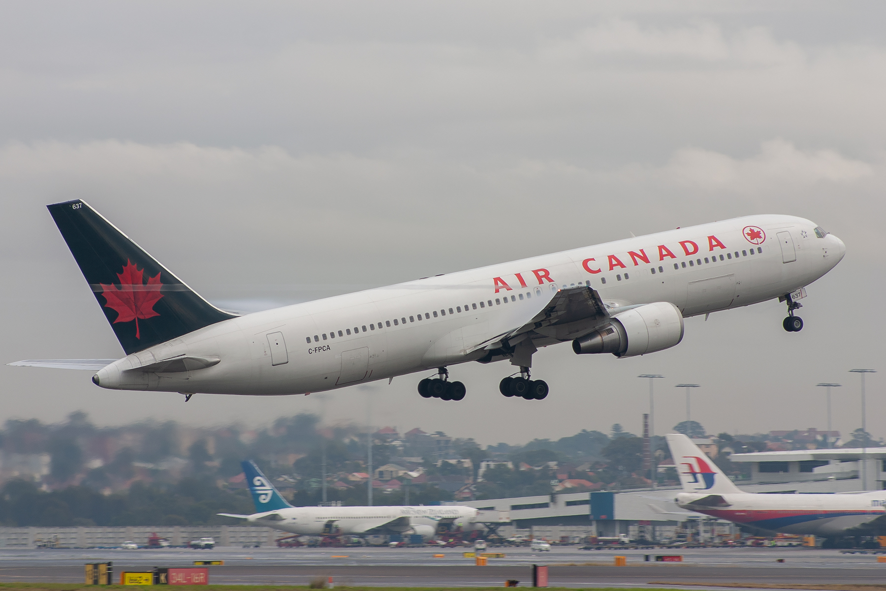 Air Canada Boeing 767-300ER C-FPCA at Kingsford Smith