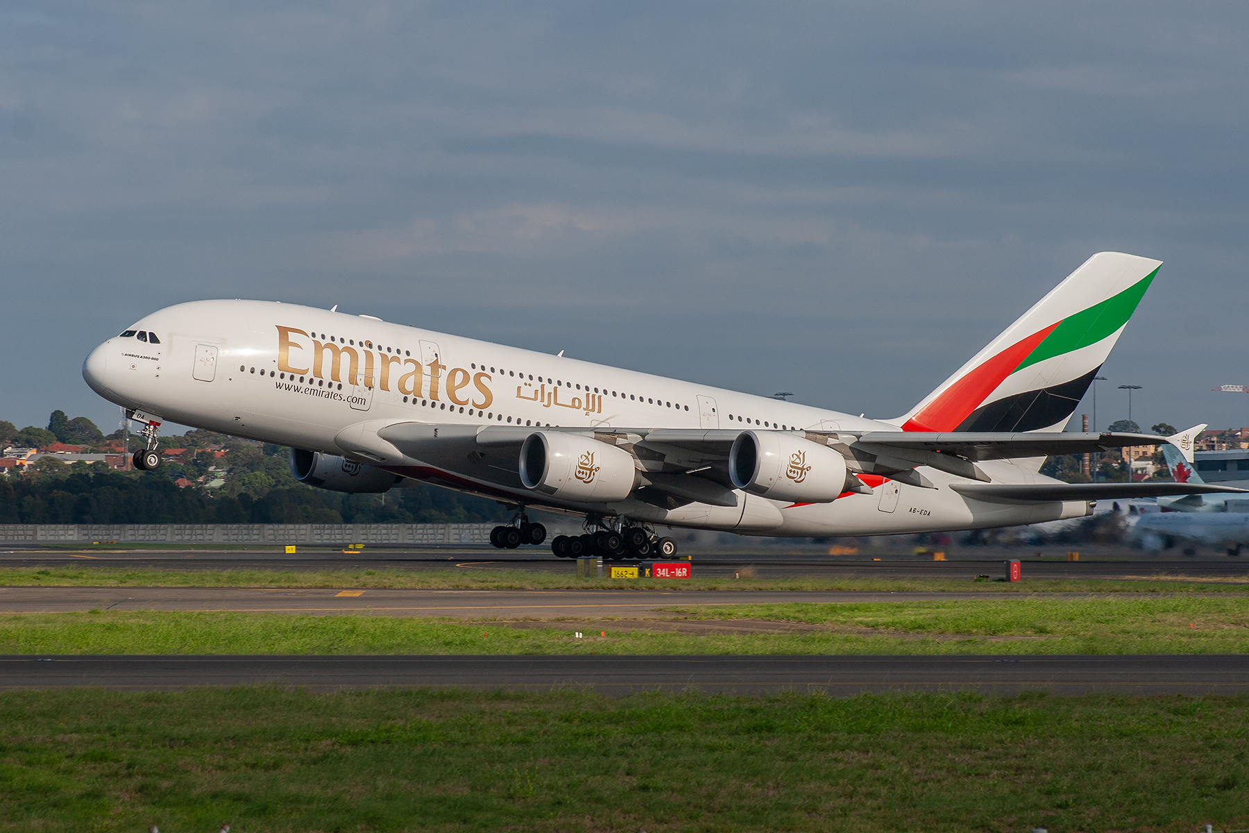 Emirates Airlines Airbus A380-800 A6-EDA at Kingsford Smith
