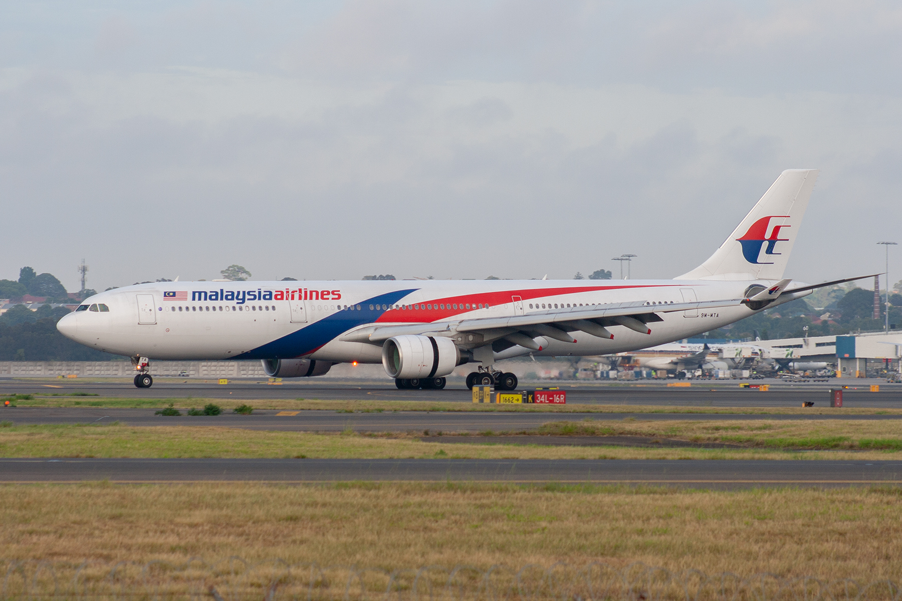 Malaysian Airlines Airbus A330-300 9M-MTA at Kingsford Smith