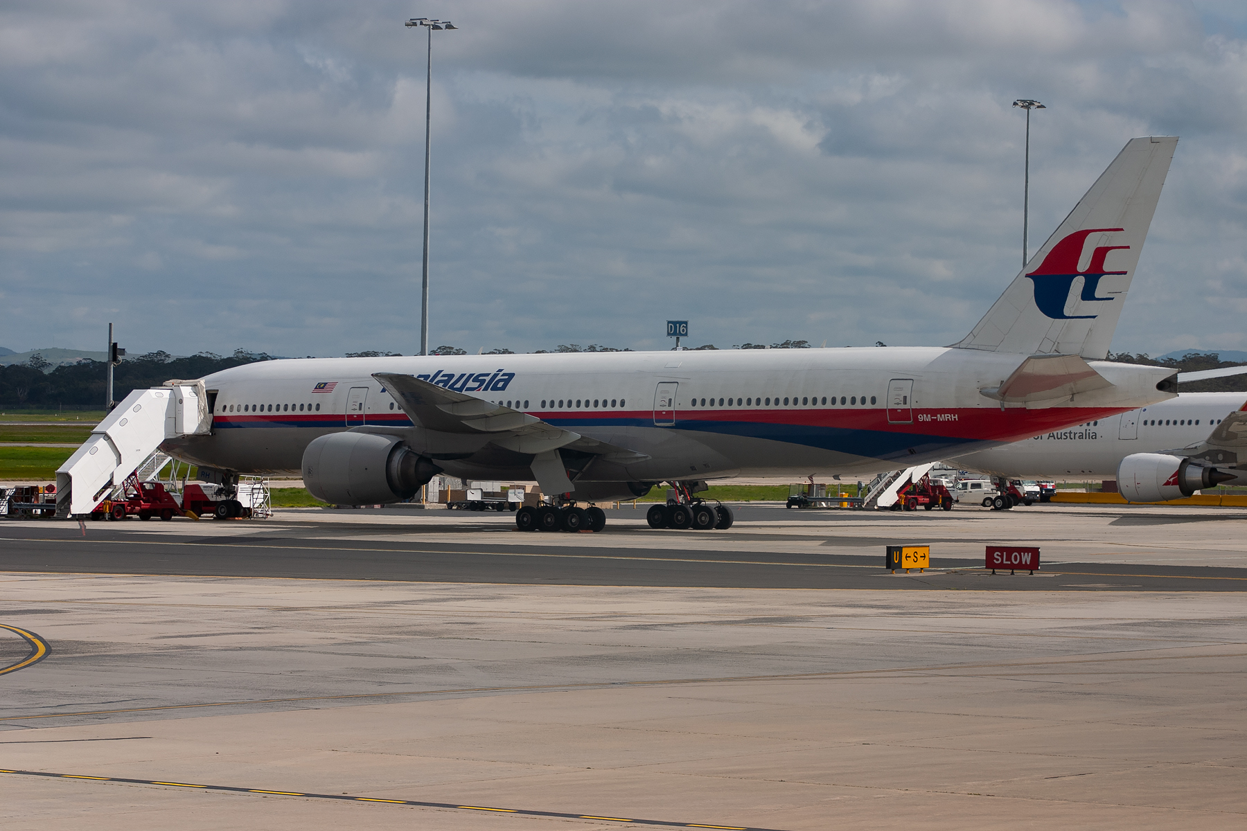 Malaysian Airlines Boeing 777-200ER 9M-MRH at Tullamarine