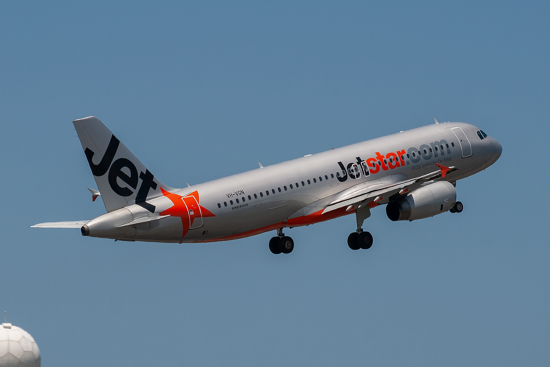 Jetstar Airways Airbus A320-200 VH-VGN at Kingsford Smith