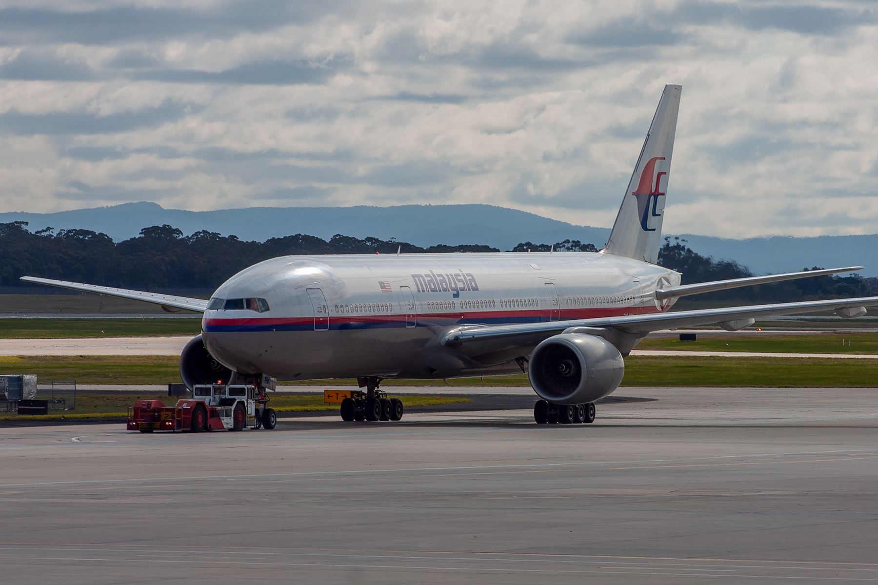 Malaysian Airlines Boeing 777-200ER 9M-MRK at Tullamarine