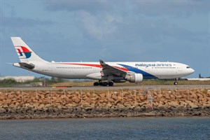 Malaysian Airlines Airbus A330-300 9M-MTB at Kingsford Smith