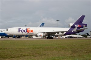 Federal Express McDonnell Douglas MD11 N582FE at Kingsford Smith