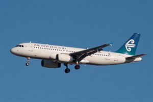 Air New Zealand Airbus A320-200 ZK-OJF at Kingsford Smith