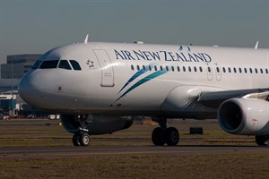 Air New Zealand Airbus A320-200 ZK-OJB at Kingsford Smith