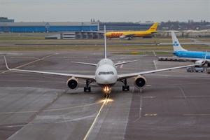 Icelandair Boeing 767-300 TF-ISW at Schiphol