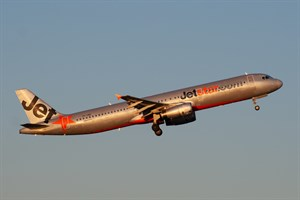 Jetstar Airways Airbus A321-200 VH-VWZ at Kingsford Smith