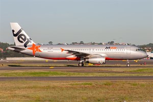 Jetstar Airways Airbus A320-200 VH-VQT at Kingsford Smith