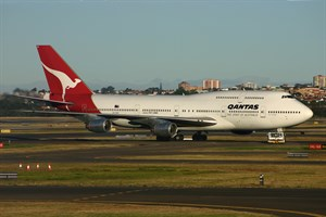 Qantas Boeing 747-300 VH-EBX at Kingsford Smith