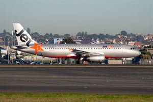 Jetstar Airways Airbus A320-200 VH-VQS at Kingsford Smith