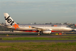 Jetstar Airways Airbus A320-200 VH-VQY at Kingsford Smith