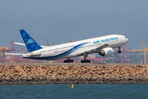 Air Austral Boeing 777-200ER F-ORUN at Kingsford Smith