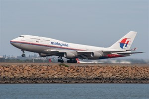 Malaysian Airlines Boeing 747-400 9M-MPH at Kingsford Smith